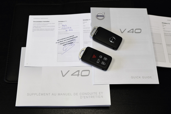 V40 T2 122CH SERIE LIMITEE ITEK EDITION