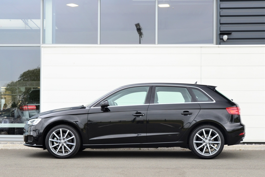 A3 SPORTBACK 35 TDI 150 DESIGN LUXE S-TRONIC