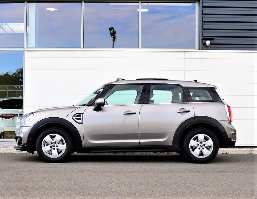 COUNTRYMAN ONE 102CH BUSINESS