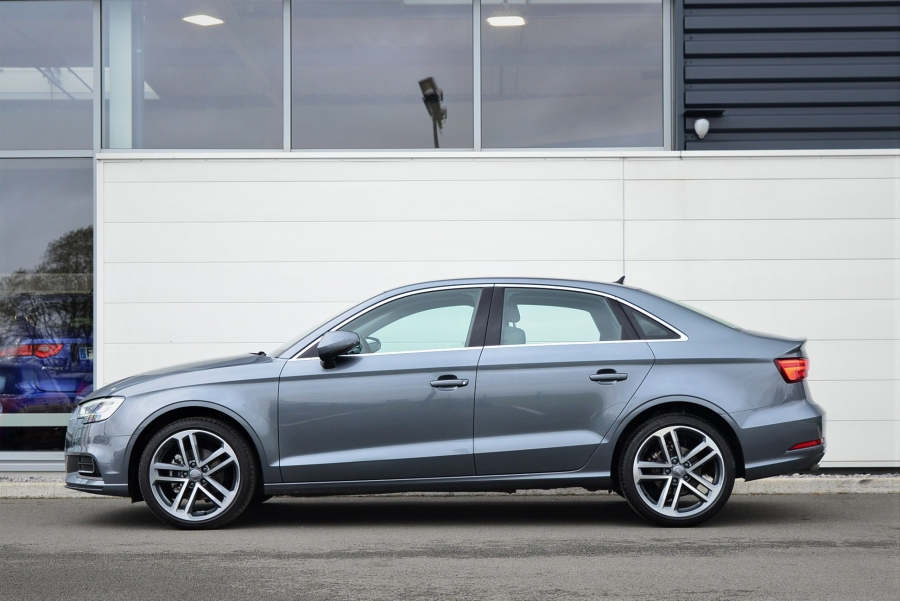 A3 BERLINE TFSI 116 DESIGN LUXE S TRONIC