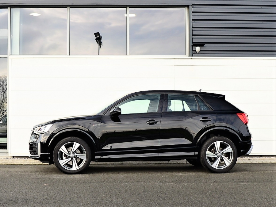 Q2 TFSI 150 DESIGN LUXE PACK S LINE S-TRONIC