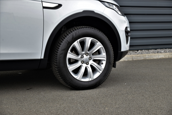 Land Rover Discovery Sport Td4 Hse 150 Ch Bva 7 Places Awd
